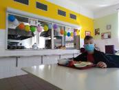 den dětí v jídelně_8